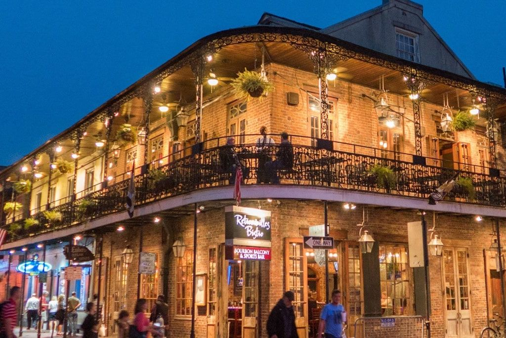 New Orleans Bar Crawl Guide